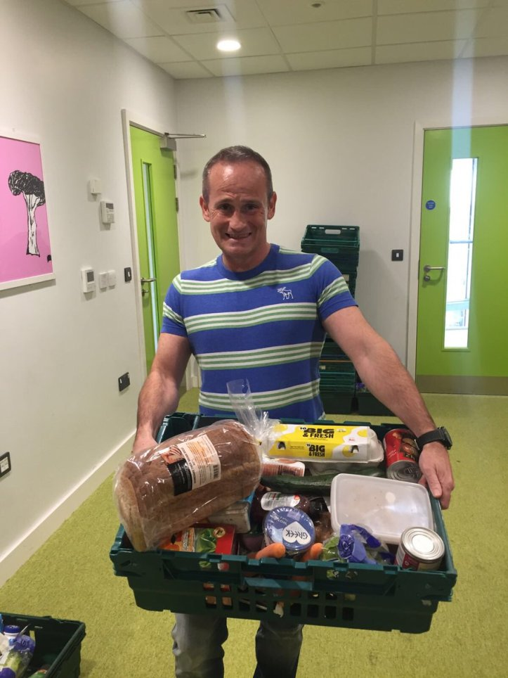 sean-qualter-from-myox4-helps-with-surplus-food